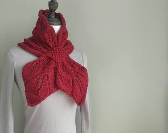 Hand knitted Leaf Ascot / Scarf in Cranberry, knitted keyhole scarf