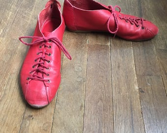 vintage 80s nine west glenda red leather lace up shoes made in brazil womens shoe size 8M