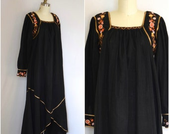 Josefa Embroidered Dress/ Mexican Embroidered Dress/ Floral Black Cotton Maxi/ Women's Size Small