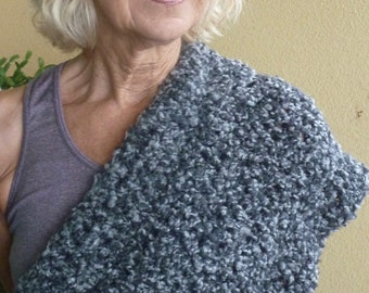 Women's winter shawl in shades of gray, crochet infinity wrap, unique and original winter accessories, gift for her, wide infinity scarf
