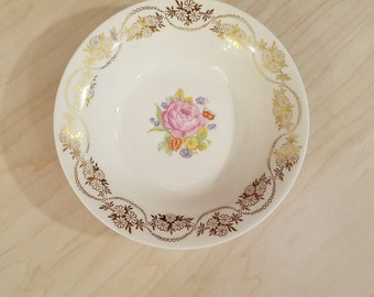 Royal China Inc Warranted 22K Gold Daisy Ann Fruit Bowl