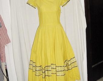 Vintage 50s Yellow Cotton Full Skirt Square Dance Dress Sm Rick Rack