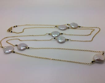 Long necklace with Baroque disco pearls and silver plated gold chain