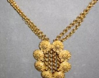 Vintage Trifari Gold Tone Necklace