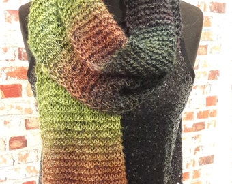 Scarf with sequins and gradient