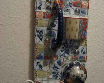 Pique Assiette Bird Feeder/Succulent Pot/Jewelry Holder Broken Plate Mosaic Art