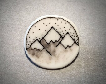 Doodle porcelain mountain range pin brooch