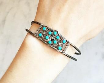 Vintage ZUNI Sterling Silver SNAKE EYE Turquoise Flower Cluster Cuff Bracelet