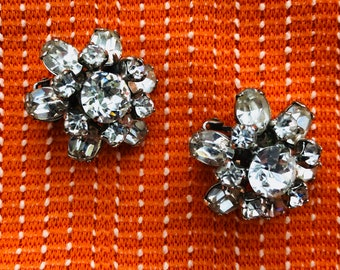 Vintage 1950s stunning diamente clip on earrings