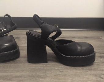 90s VTG Chunky Platform Heels