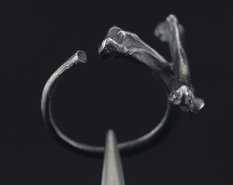 What Remains - Cross Bones Ring 1 in oxidized sterling silver