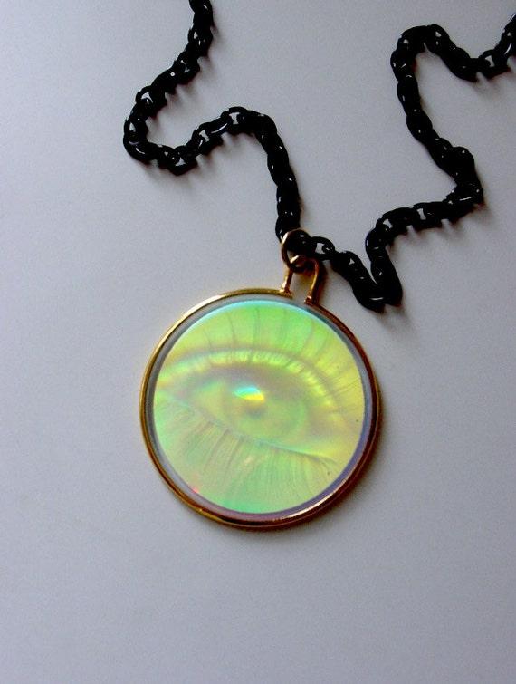 Illuminati eye hologram necklace optical illusion conspiracy mozeypictures Images