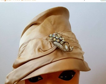 SUMMER SALE Vintage 1950's Union Made Satin Peach Bucket Hat /Bucket Hat / Vintage Millinery with Rhinestone Brooch