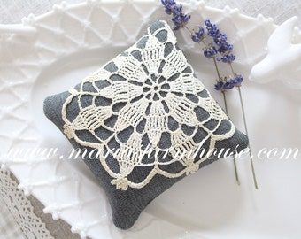 Handmade Dried Lavender Sachet with Vintage Cochet Doilie Motif, Gifts for Her
