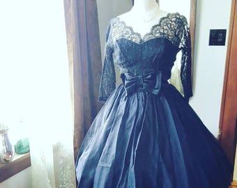 50's 50s Vintage LBD Black Dress Lace Bow Detail Size Medium M Small 1950s Full Skirt