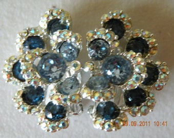 BOGOFF flower rhinestones clip on earrings. Mint/New condition.1950s