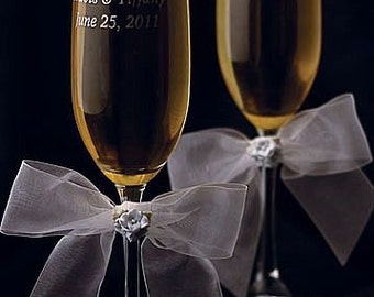 Hydrangea Bouquet Wedding Toasting Glasses - Custom Engraving Available - 30725H