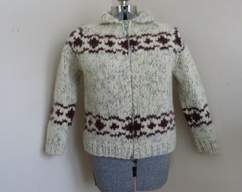 SALE Vintage Fitted Ladies Cowichan Sweater Vintage Ladies Cowichan Hippe Retro Boho