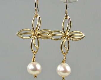 Gold Flowers and Pearls Dangle Earrings