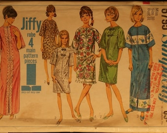 Vintage 60s Sewing Pattern  Misses Robe in 2 Lengths Simplicity 6795  Sz 10