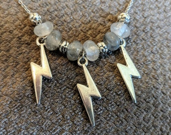 STORMY Flash Bolt Choker-Adjustable Stainless Steel Chain and Cloudy QUARTZ Stone Bead Choker-Gray Cloudy Quartz and Lightning Bolts Choker