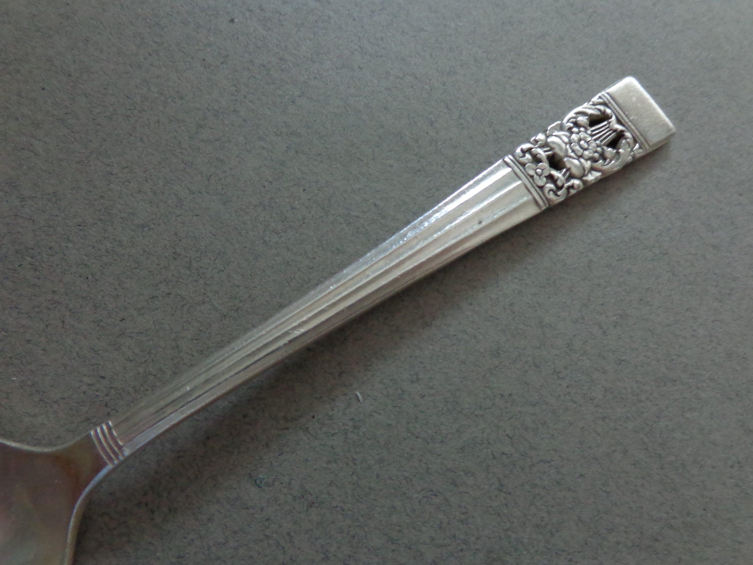 Oneida Coronation Silverware - Silverplate Flatware, 8 Coronation ...