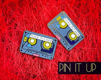 CASSETTE PIN UP
