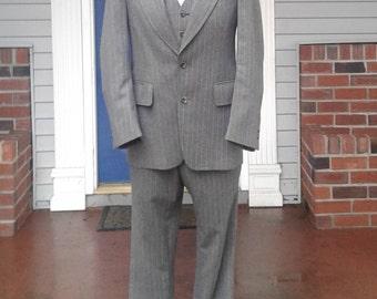 Vintage Mens 1960s 3 Piece Wool Gray/Brown Suit