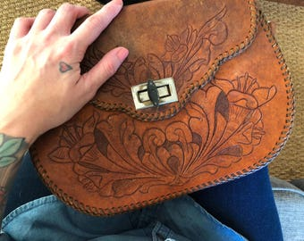 Vintage 70s hand tooled leather lily and deer purse