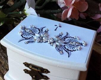 Ring Box, Personalized Ring Box,  Hand-Beaded Ring Box,  Proposal Ring Box, Wedding Ring Box, Engagement Ring Box, Ring Bearer Box