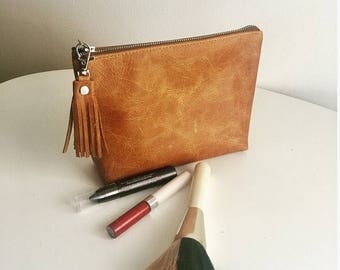 Leather Cosmetic bag / leather make up bag / tan Leather zipper pouch/ leather makeup bag / distressed leather / tan brown clutch