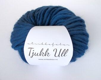 Chunky wool yarn - Blue