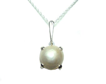 Mabe Pearl sterling silver pendant with chain