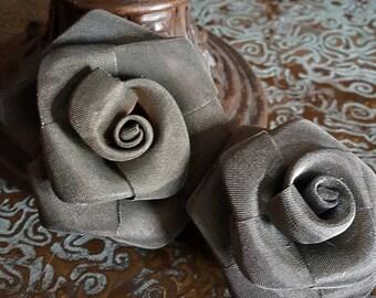 Metal Mesh Rose Brooches
