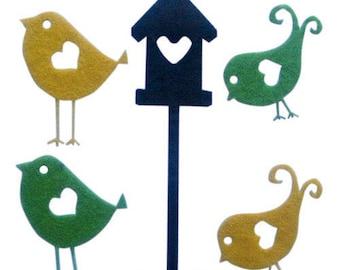 Set patterns of adhesive felt (birds)