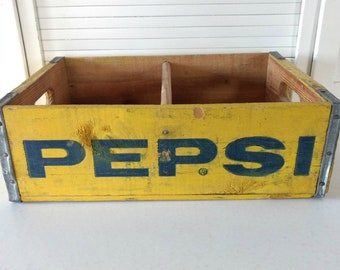 Vintage Yellow Blue Pepsi Crate with Divider Pepsi Collectibles Garden Decor Plant Box 1970s Retro Garden Container Wooden Wood Crate