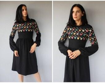 Vintage 1970s Dress • 70s Dress • 1970s Wool Dress • 70s Midi Dress • 1970s Embroidered Floral Dress • 1970s Bohemian Dress  -  (small)