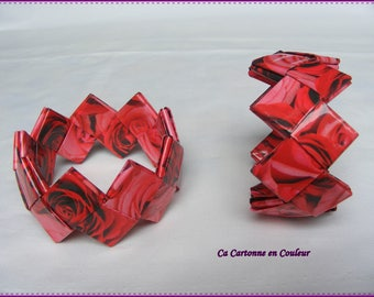 Strap closed in pink and Red recycled paper