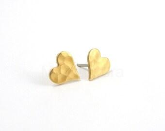 Heart Earring Studs, Hammered Heart Stud Earrings, Romantic Jewelry, Gold Heart Earrings, Heart Jewelry, Sterling Silver Hypoallergenic