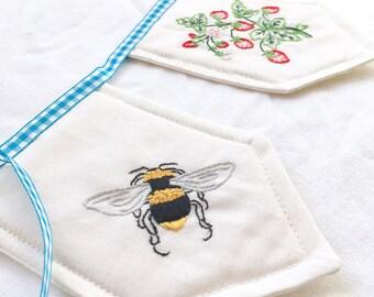 Summer BANNER bunting BEE banner