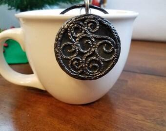 Gray swirl pendant