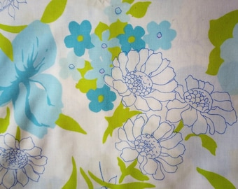 Vintage Retro 1970s  White Blue & Green Floral Flower Pattern Double Flat Sheet (Bedroom Bed Bedding)
