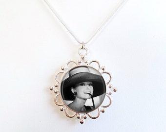 Audrey Hepburn Necklace - Breakfast at Tiffany's Pendant Necklace - Audrey Hepburn black and white with hat