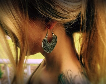 Tribal earrings,Aztec earrings,boho jewelry,mystical earrings,gypsy earrings,ethnic earrings,Triangle jewelry,Henna earrings,Tibetan silver