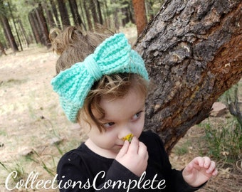 Beautiful crochet headband with bow that fits toddlers age 1-3.