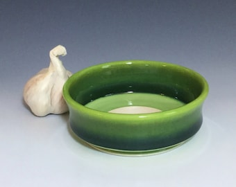 Green Garlic Grater, Ceramic Garlic Grater, Porcelain Oil Dipping Bowl, Ombré Garlic Bowl, Ceramic Garlic Dish, Wheel Thrown Pottery