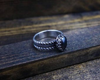 LEXINGTON Ring - Elegant Pattern Sterling Silver 5mm Band w/ Hematite Cabochon