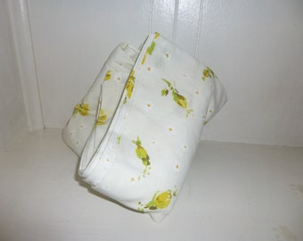 Vintage Pequot Twin Flat Sheet White Yellow Floral / 1970s cottage shabby chic