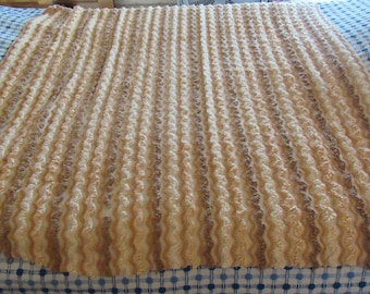 """Nutmeg, Cinnamon and Paprika Vintage Chenille Bedspread Fabric Piece for Crafts & Sewing 36 x 36"""" ROUNDED Corner"""