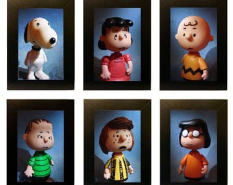 """Framed Peanuts Toy Photos 4"""" x 6"""" Charlie Brown"""